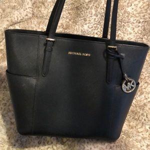 907a533c127c Women s Mk Handbags Macys on Poshmark
